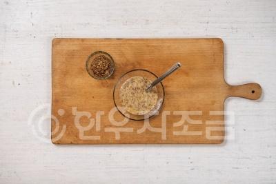 히_06_겨자마요를 곁들인 소고기 마 구이_3.jpg